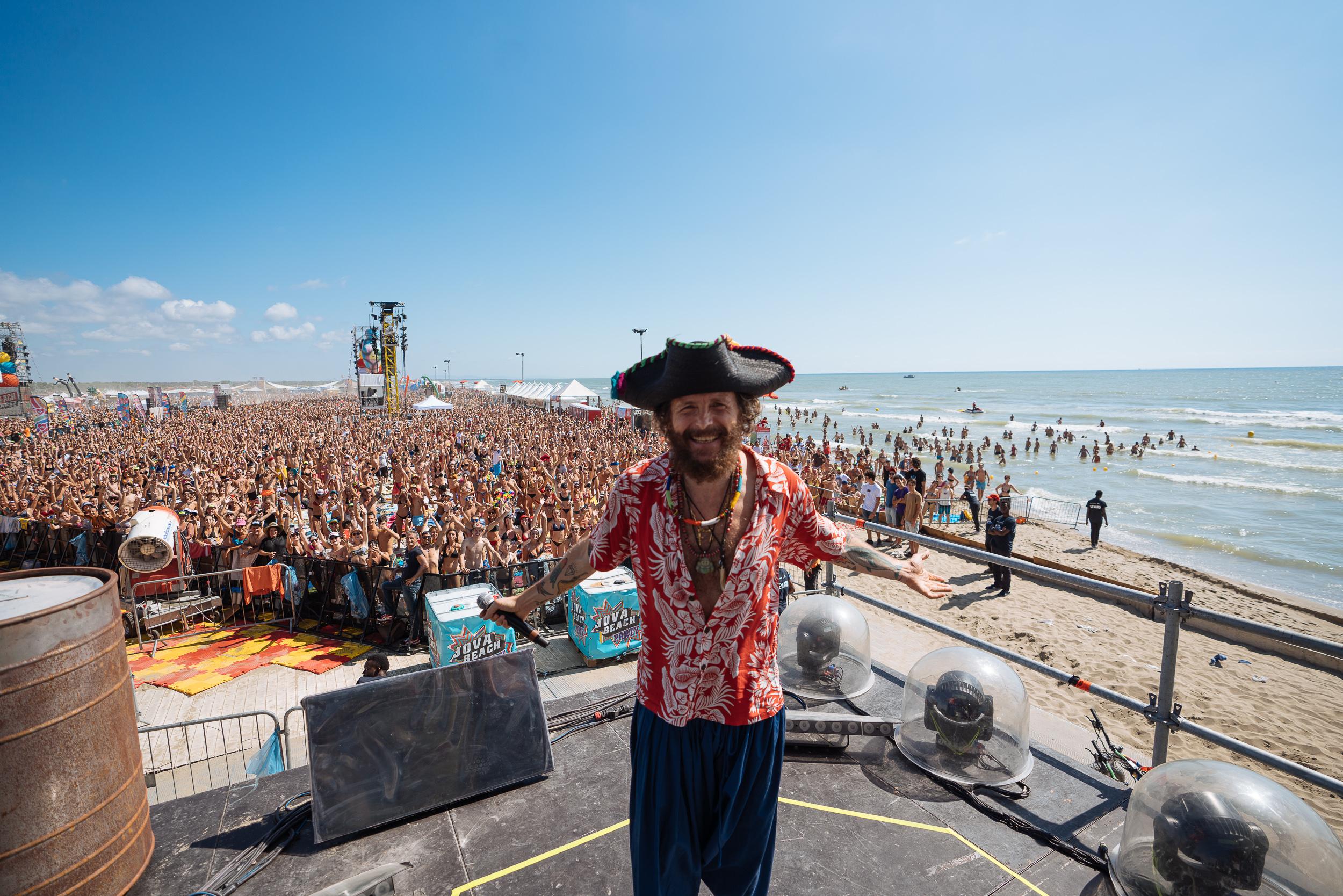 We Music: Jovanotti e il suo Jova Beach Party a Viareggio